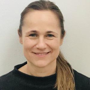 Yoga Lehrende: Andrea Pöschl