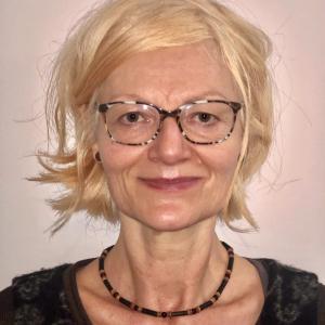 Yoga Lehrende: Rosmarie Weinholzer-Samhouri